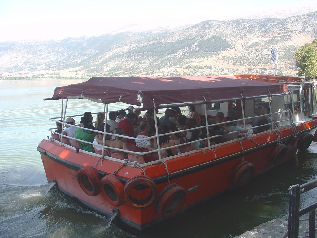 Γιάννενα: «Βούλιαξε» η πόλη, «ανθίζει» ο τουρισμός