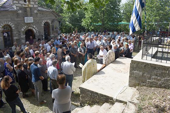 Γιάννενα: Τιμή στους πεσόντες Κρήτες εθελοντές στο Δεμάτι